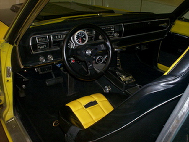 1966 Coronet 500 - interior - 2008.jpg