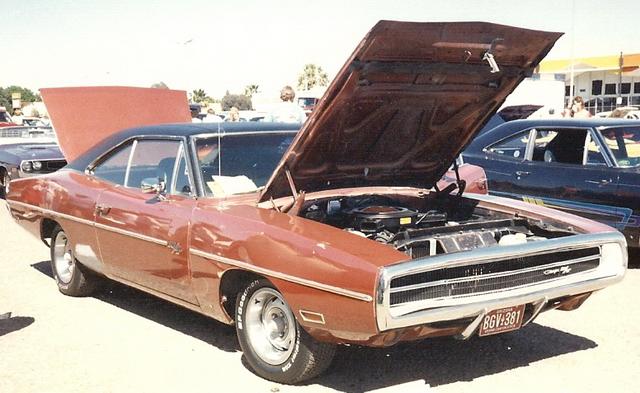 1970 Charger RiT - car show #1.jpg