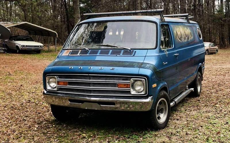 1974-Dodge-Custom-Van-1.jpg