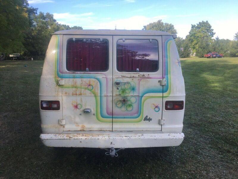 1974-dodge-van-tradesman-100-custom-hippie-van-1970039s-custom-van-10.jpg