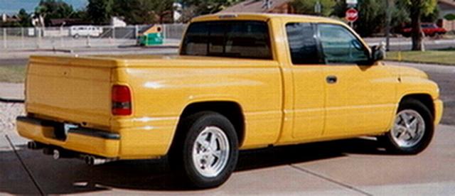 1999 Ram 1500 Sport Quad Cab in 2005.jpg