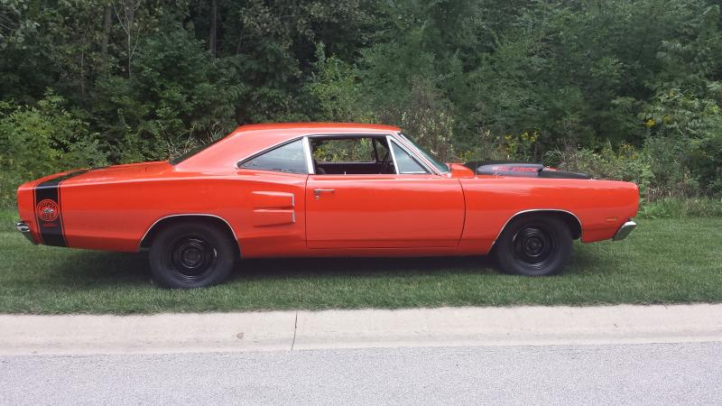SOLD - 1969 ½ Dodge Super bee A12 440-6 Hemi 4-Speed Dana 60