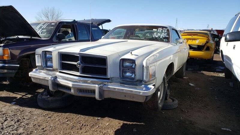 50-1979-chrysler-300-in-colorado-junkyard-photo-by-murilee-martin-1608087042.jpg