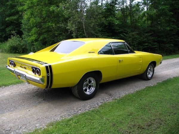 poll bumblebee stripe or not 68 charger for b bodies. Black Bedroom Furniture Sets. Home Design Ideas