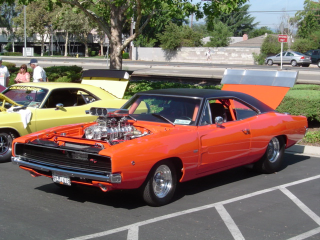 68 Charger RT Blown Hemi caged & tubbed orange.JPG