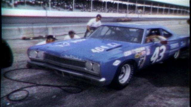 68 Roadrunner Nascar #43 Richard Petty #5a pitt road.jpg