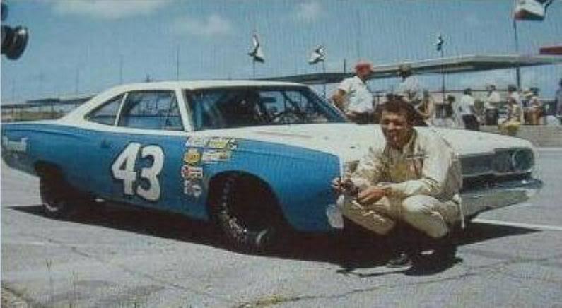 68 Roadrunner Nascar #43 Richard Petty #9 Blue & White.jpg