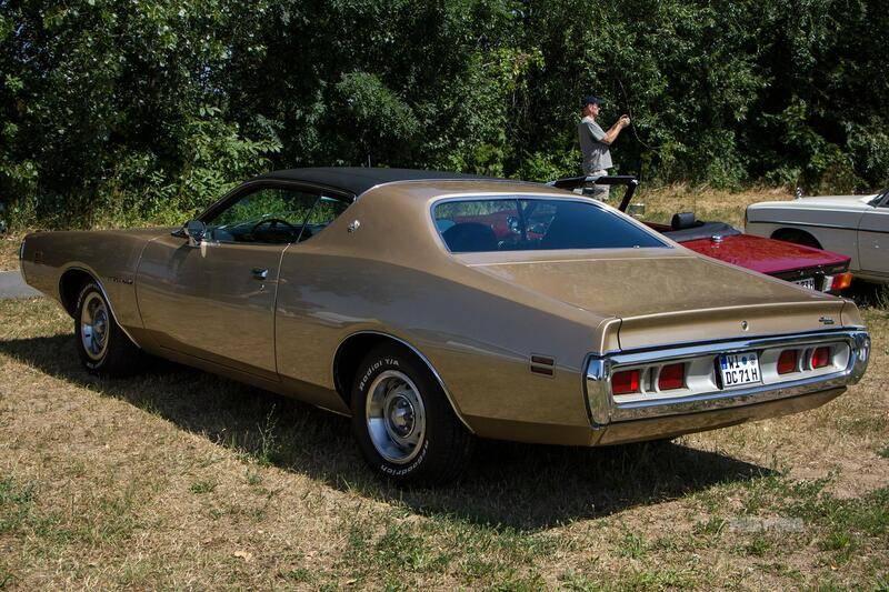 74e4251904ffd31a7a5d7f618f2a5b410d7cbe94.1971-dodge-charger-se-383_rear_FULL_paledog.jpg