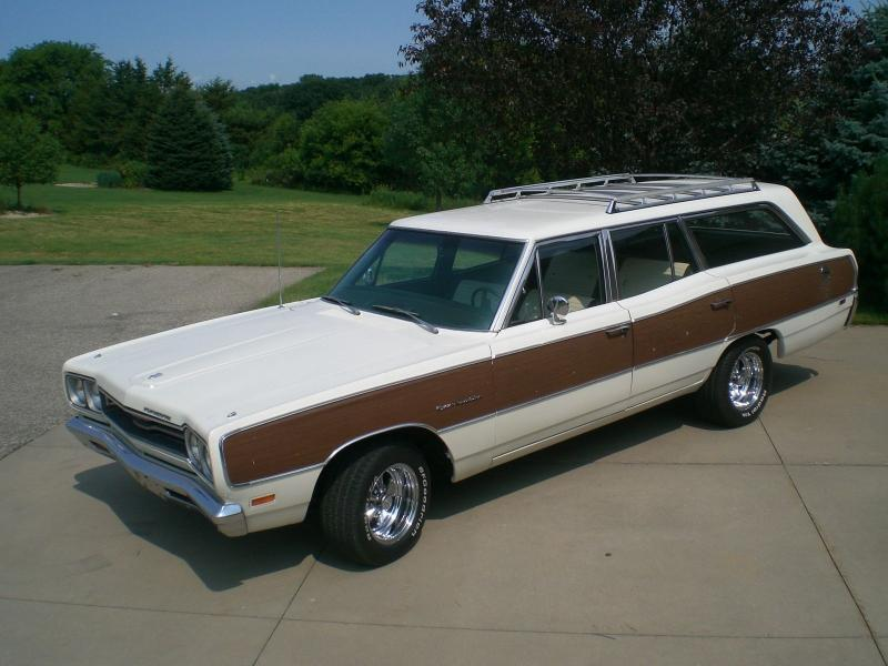 Sold 1969 Plymouth 9 Passenger Sport Satellite Wagon For