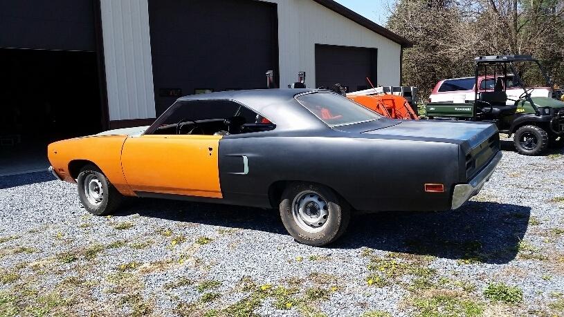 FOR SALE - 1970 V-Code 440 6 Pack Road Runner 4 Spd
