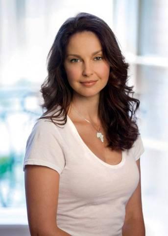 AshleyJudd-selected-SRHMadameCurie2014.jpg