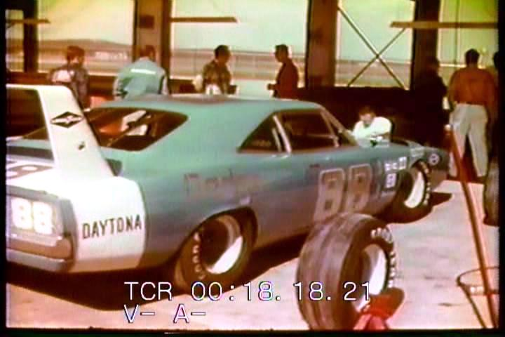 buddy baker dodge charger daytona 1969 200 mph 1970 march 24.jpg