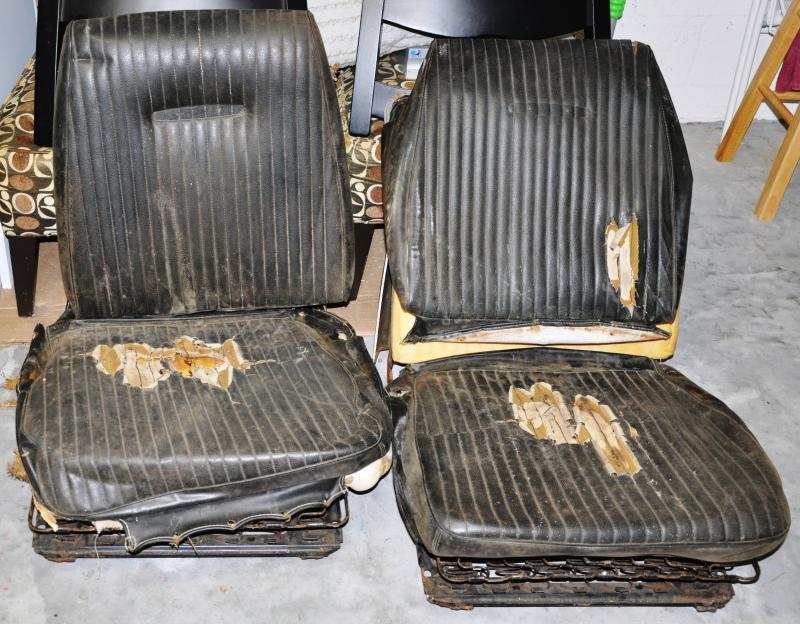 66 67 Bucket Seats With Tracks Charger For B Bodies