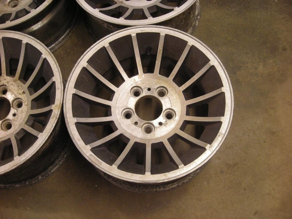 Sold Mopar 15 X 7 Aluminum Wheels Vector Hurricane