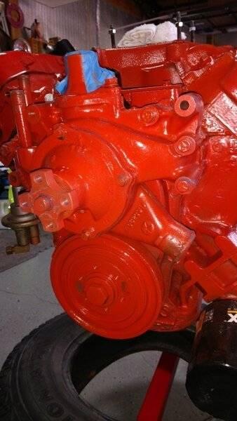 engine on stand 1.jpg