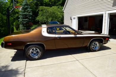 FOR SALE - 1974 Road Runner  318 low miles 4 Speed Sell or Trade