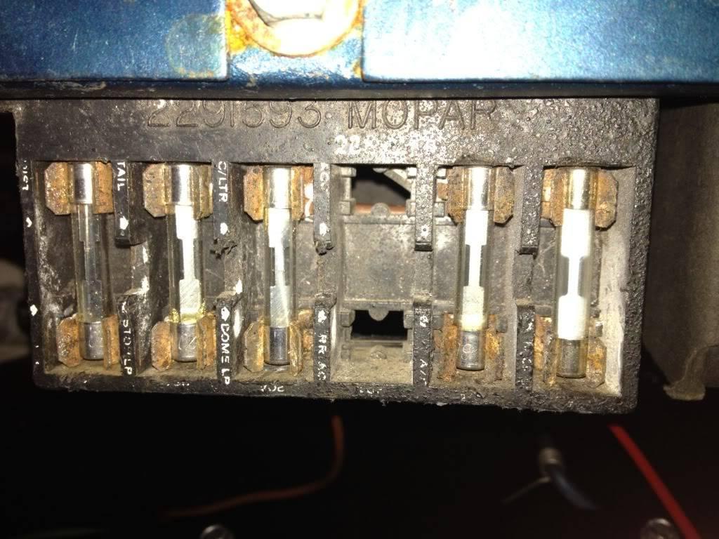 A Mopar Fuse Box   Wiring Diagram on