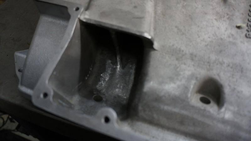Intake 413-426w-440 Edelbrock STR-14-6 Cross Ram Tom Hoover 9-1975 modification manifold.jpg