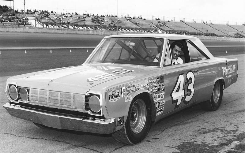 Richard-Petty-1967-NASCAR.jpg
