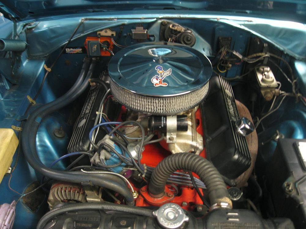 Road Runner 2   383 Motor.JPG