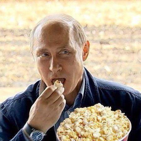 vladimir-putin-eating-popcorn.jpg